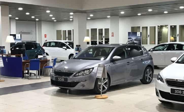 concesionario-coche-iluminacion