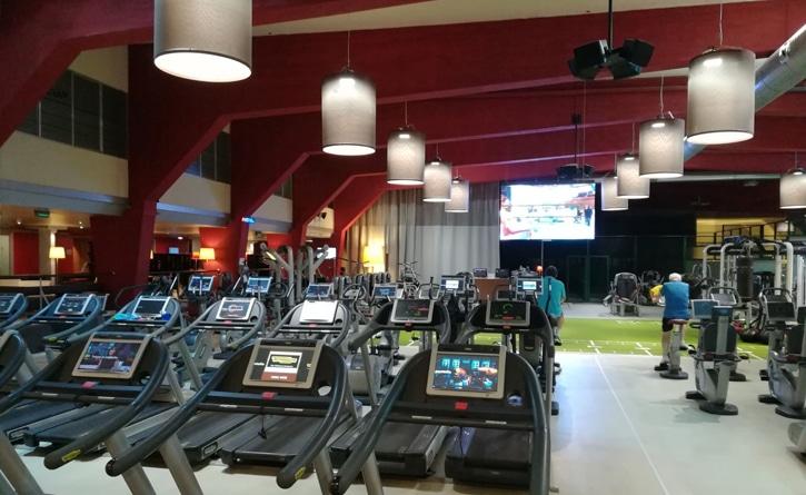 Gimnasio sala de fitness