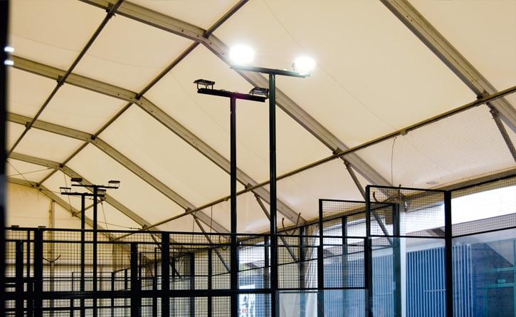 Iluminación de pistas de padel del Club de tenis Pamplona